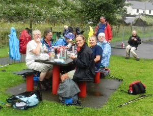 Garw Valley walk - drying out at lunchtime