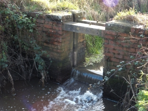 Sluice gate at Nash