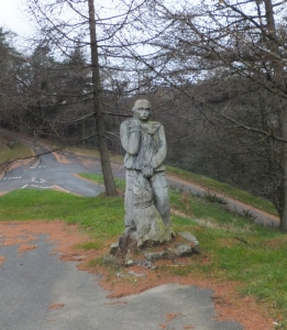Mountain rescue statue