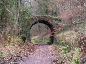 Retaining arch near Trafalgar tip
