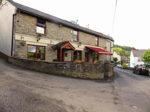 pub at Gwaelod y Garth