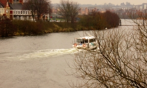Waterbus at Clarence Road Bridge