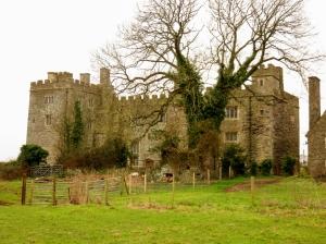 Pen-Coed Castle ruins