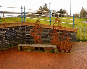 Artwork at Pont y Werin west side