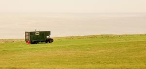 The Nash sandbank and the traveller's van
