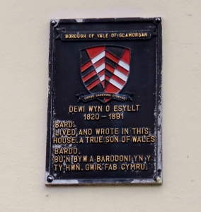 dewi wyn o esyllt plaque on three horseshoes wall