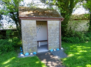 Bus shelter at Croesyceiliog