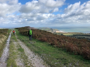 Returning along Cefn Bryn and overlooking Three Cliff